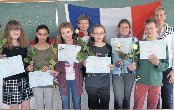 Gymnasiasten erhalten Delf-Zertifikate