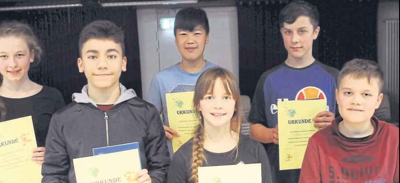 MCG-Schülern knobeln beim internationalen Känguru-Wettbewerb