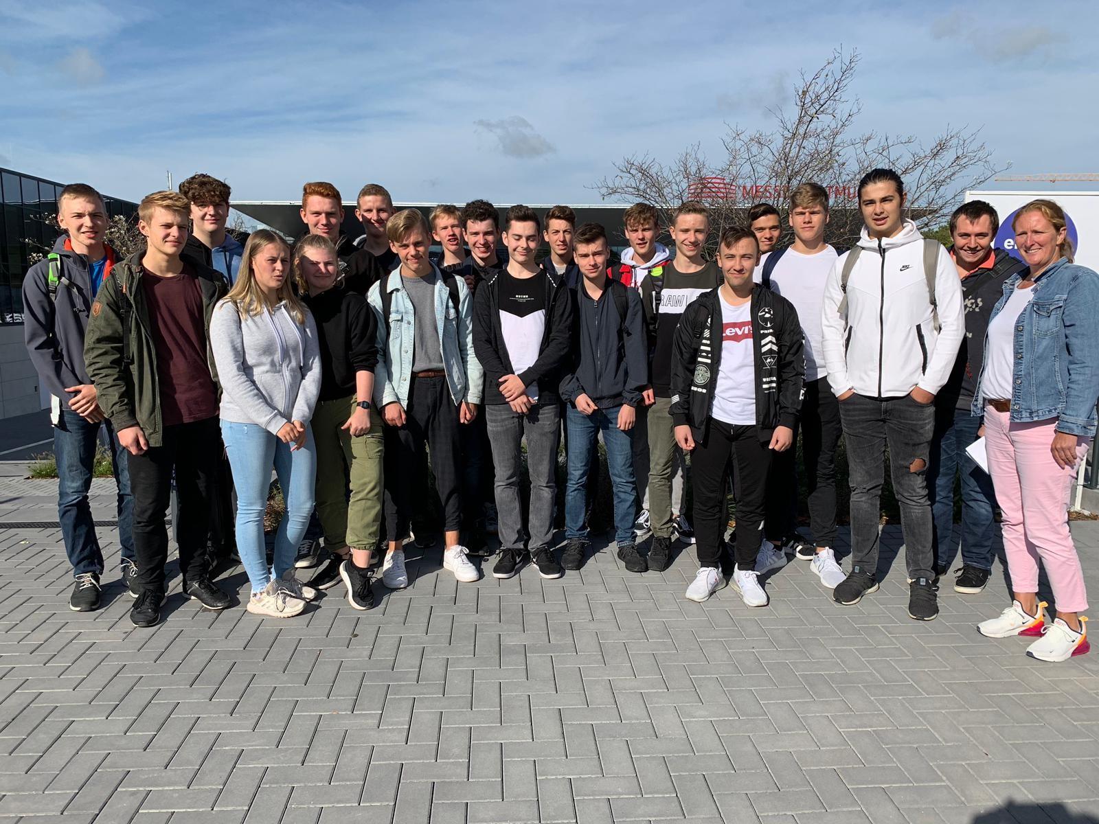 """Erdkunde-LK besucht """"Fair Friends""""- Messe in Dortmund"""
