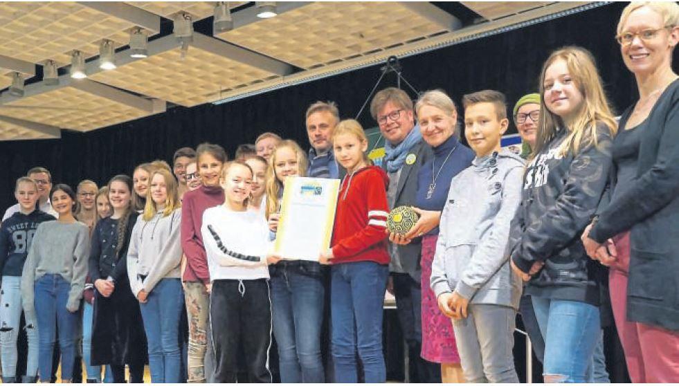 """Das Marie-Curie-Gymnasium ist jetzt offiziell """"Fairtrade-School"""""""