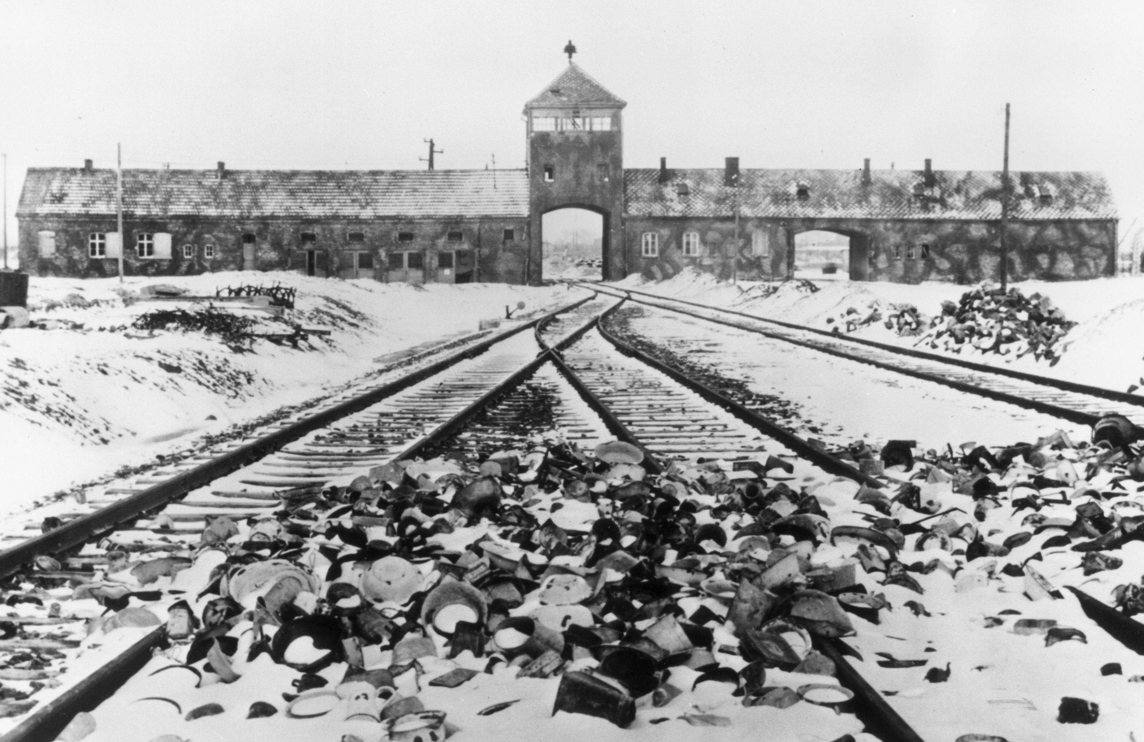 Erinnern, erzählen und berichten: Damit das Gedächtnis an die Opfer des Holocaust lebendig bleibt. Das Marie-Curie-Gymnasium Bönen beteiligt sich am `Internationalen Tag des Gedenkens an die Opfer des Holocaust´.