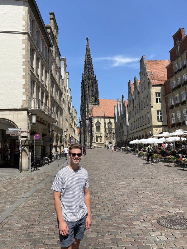 Ein deutsch-amerikanischer Ausflugstag: Neuntklässler führen US-Amerikaner Bradley durch Bönen